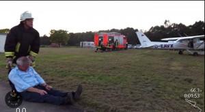 1 9-Rettung Konrad aus dem Flugzeug 4